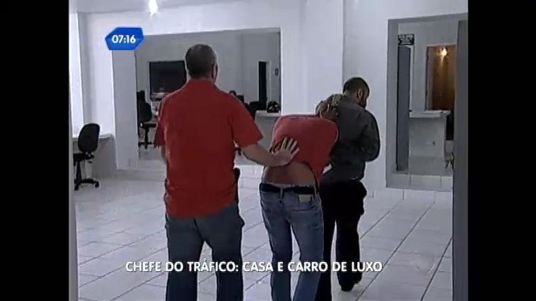 Polícia prende chefe do tráfico em casa de luxo em Marília (SP ...