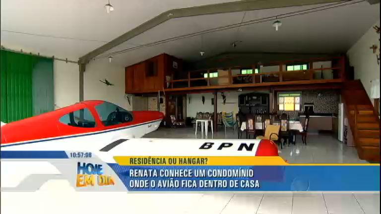 Conheça o condomínio onde só entra quem tem avião na garagem ...