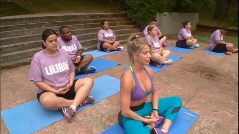 Além do Peso: participantes treinam mahamudra com Karina Bacchi ...