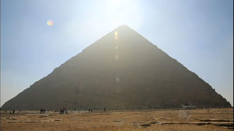 Adriana Araújo mostrará os passos de Moisés em Enigmas do Egito ...