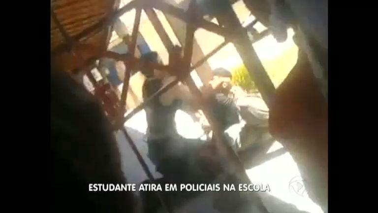 Menino vai à escola armado e atira em policiais - Notícias - R7 ...