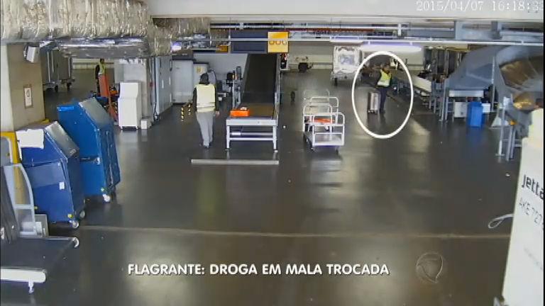 Funcionários do aeroporto trocam mala de passageiros por ...