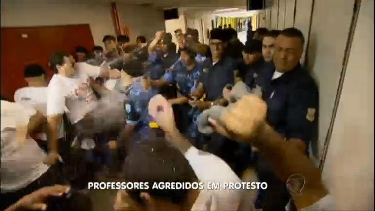 Professores em greve sofrem violência policial em SP e Goiânia ...