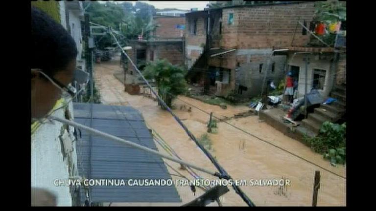 Chuva continua em Salvador