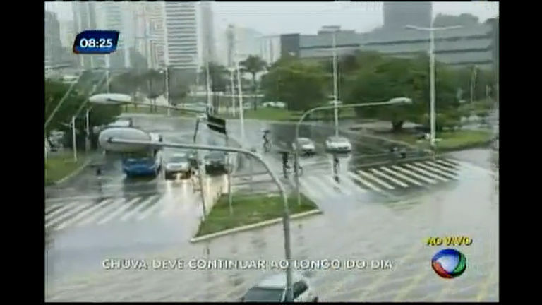 Chuva deve continuar ao longo do dia
