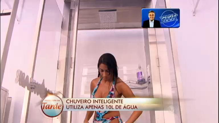 Chuveiro inteligente utiliza apenas 10 litros de água e garante banho