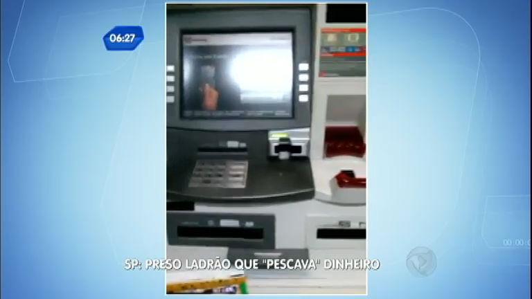 """Ladrão instala dispositivo em caixa eletrônico para """" pescar ..."""