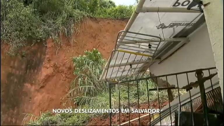 Chuva em Salvador continua fazendo estragos