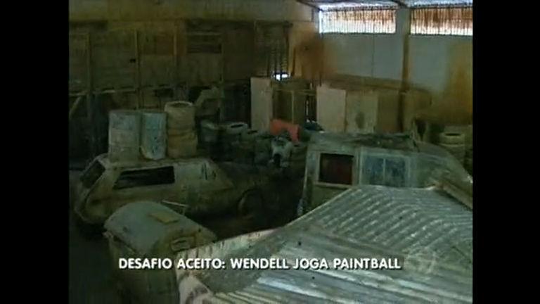 Você escolheu e lá vai ele: Wendell Vilela participa de uma partida de paintball