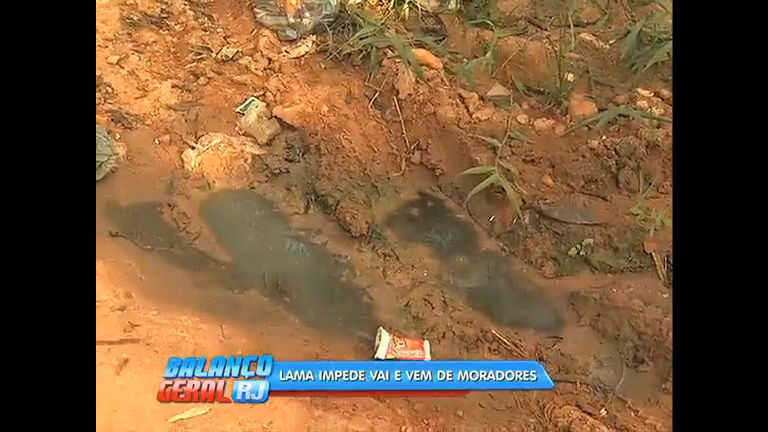 Moradores de Itaboraí reclamam de rua sem asfalto, água potável e ...
