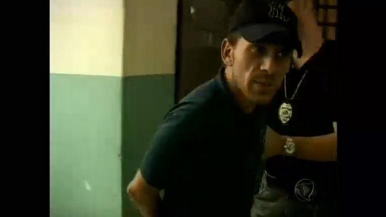 Rafael Ilha deixa carceragem depois de pedido de revogação da ...