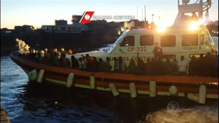 União Europeia resgata mais de quatro mil imigrantes no Mar Mediterrâneo