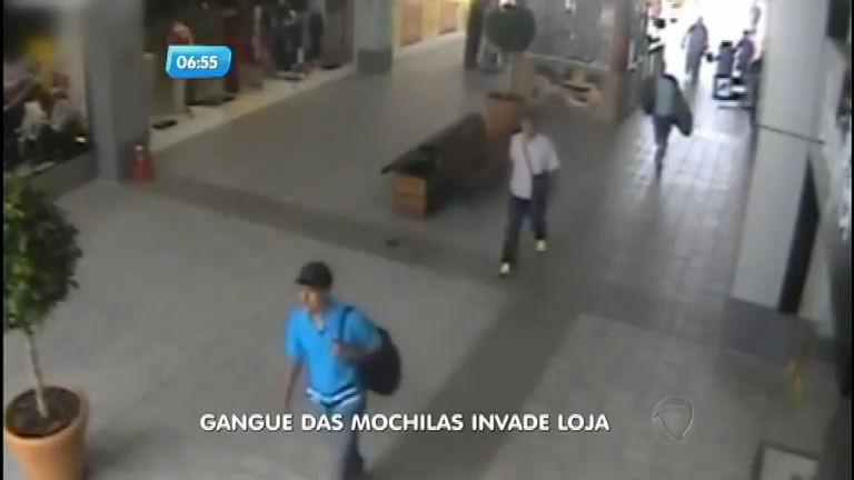 """""""Gangue das mochilas"""" rouba loja de celulares em shopping em ..."""