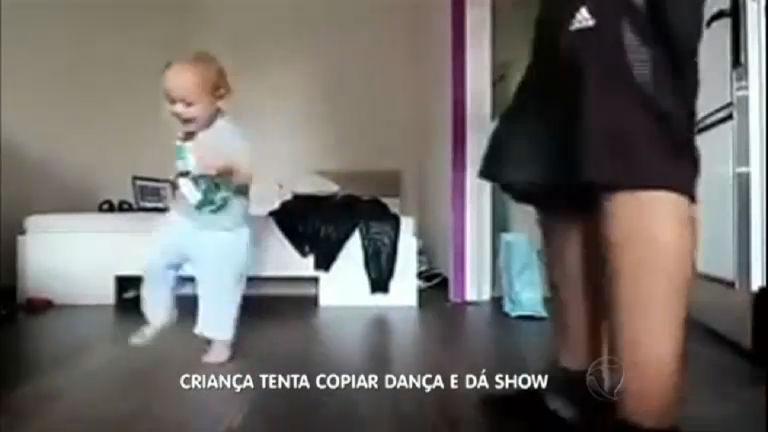 Que fofura! Criança tenta acompanhar o pai em dança - Rede Record
