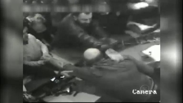 Dono de boate impede entrada de policial à paisana e é levado à ...