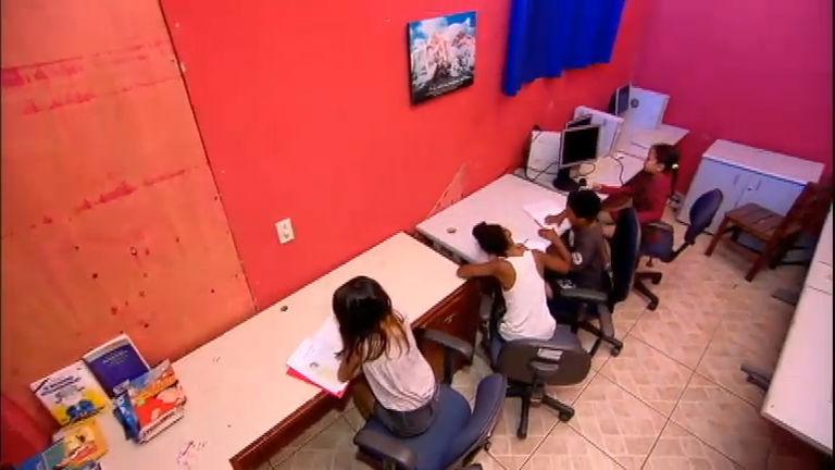 Em espaço minúsculo, ONG oferece aula de leitura e reforço ...