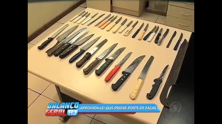 Após aprovação de lei, menores de idade com porte de facas serão ...