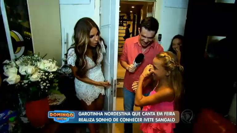 Ivete Sangalo realiza sonho de garotinha que canta em feira no ...