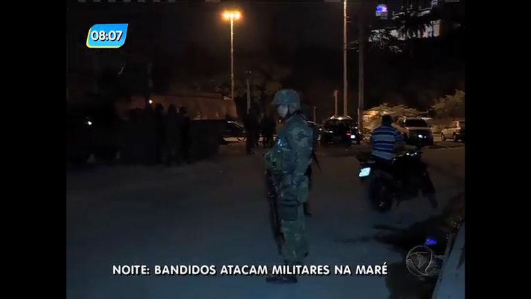 Militares são atacados por criminosos e confronto causa terror no Complexo da Maré (RJ)