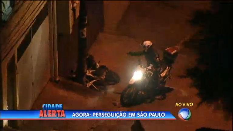 Imagens fortes: Cidade Alerta flagra policial atirando em suspeito ...