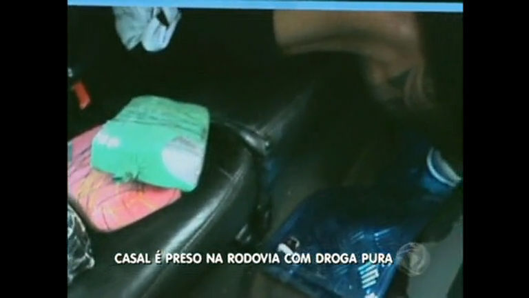 Casal é preso com 22 kg de cocaína pura