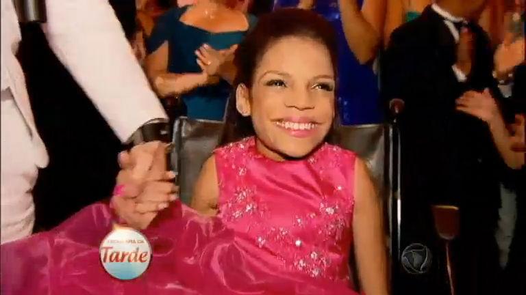 Adolescente cadeirante ganha festa de debutante do Programa da ...