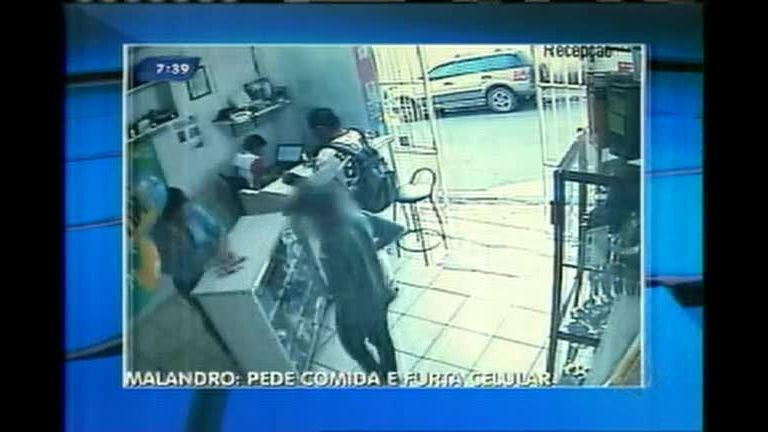 Rapaz pede comida e furta celular de dona de loja no sul de Minas