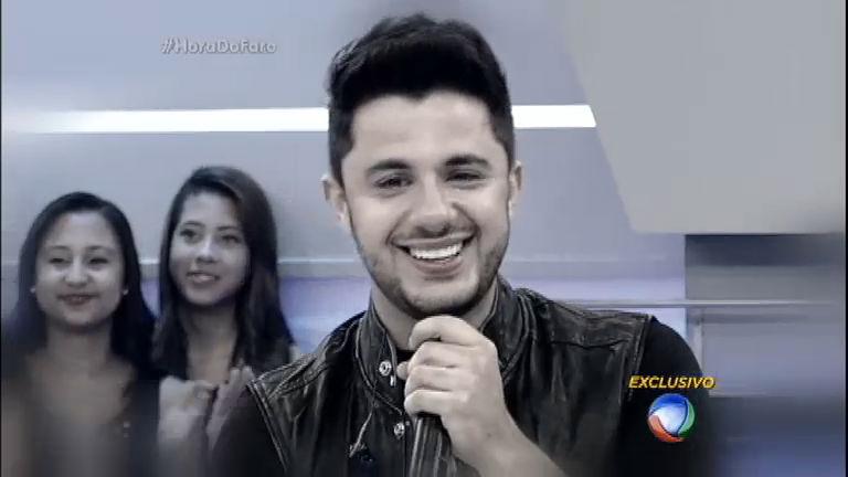 Rodrigo Faro se emociona ao falar de encontro com a família de Cristiano Araújo