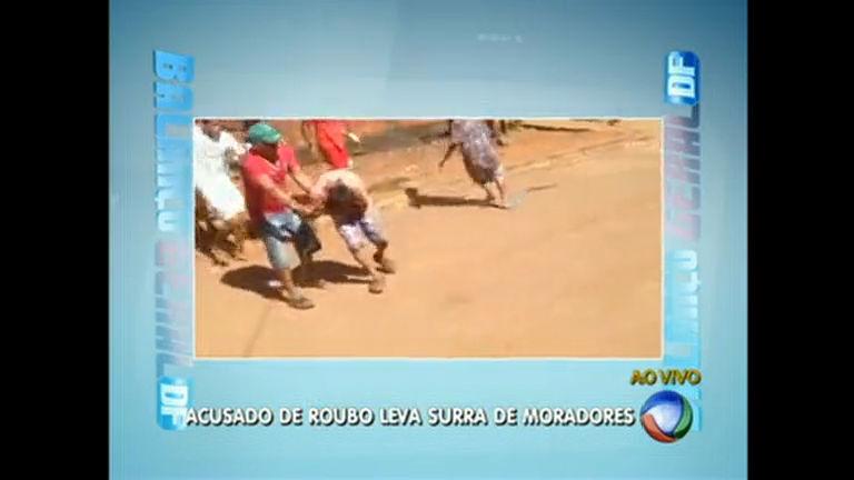 Homem acusado de roubo é agredido por moradores no Entorno