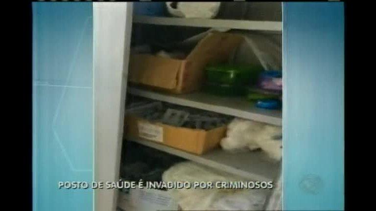 Posto de saúde é invadido por criminosos em Ribeirão das Neves (MG)