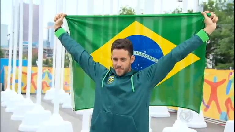 Chance de medalhas, Thiago Pereira chega a Toronto