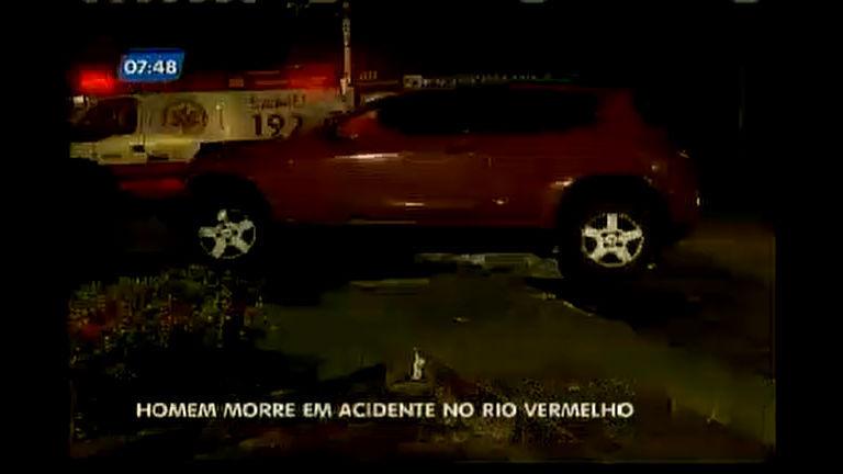 Homem morre em acidente no Rio Vermelho