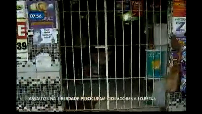Assaltos na Liberdade preocupam moradores e lojistas