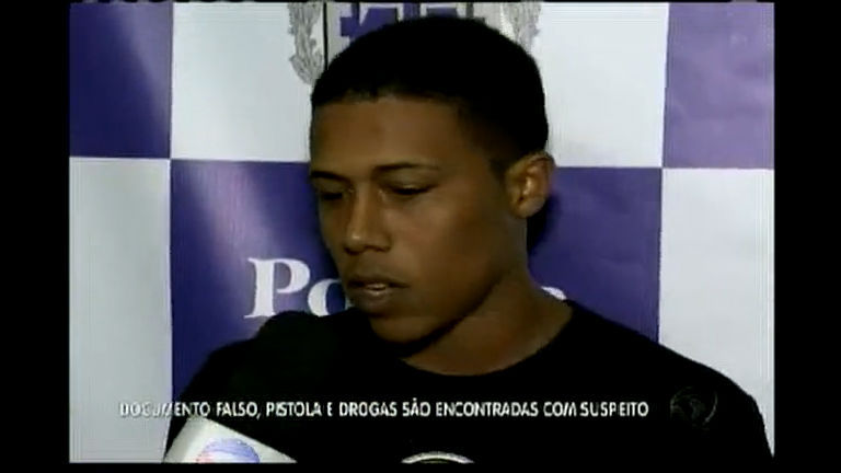 Um dos homens mais procurados de Feira de Santana é preso com arma e drogas