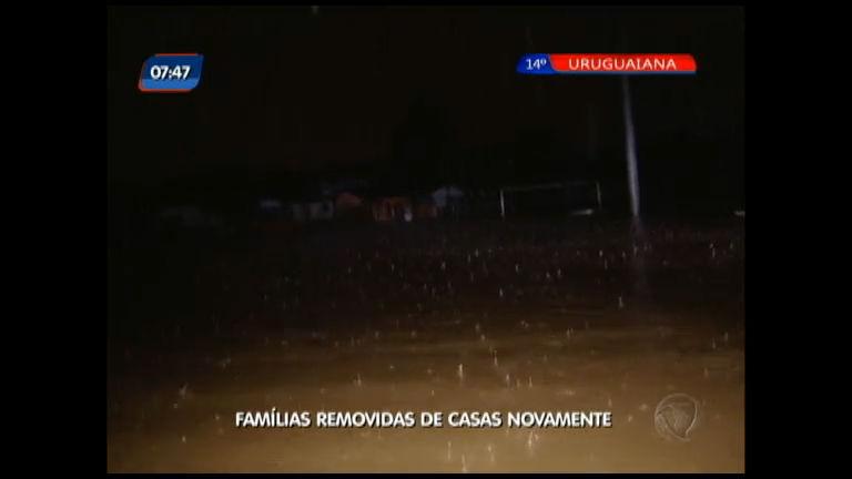 Famílias removidas de casas novamente