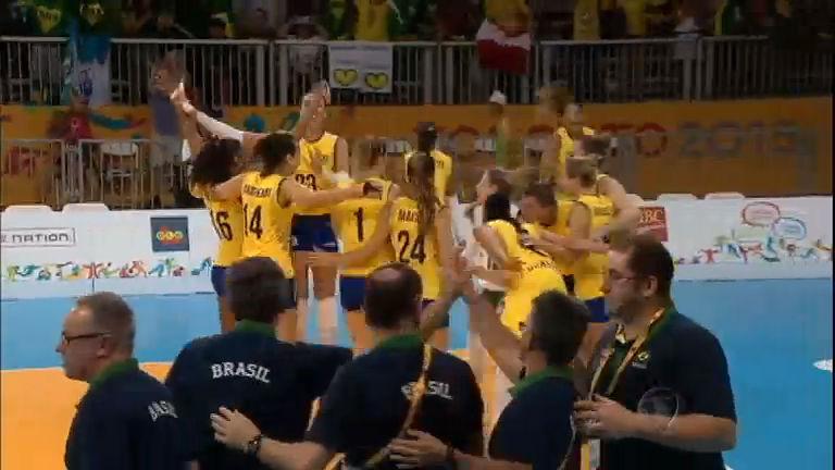 Em vitória suada, Brasil garante vaga na semifinal do vôlei feminino ...