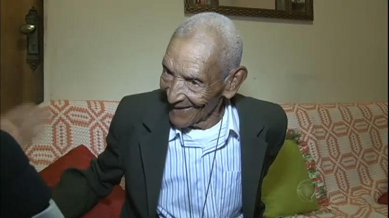 Aos 114 anos, homem mais velho do Brasil conta o segredo da longevidade
