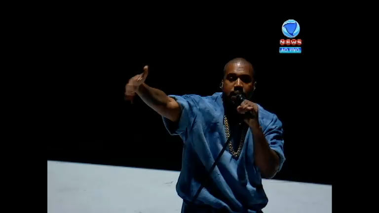 Kanye West agita o encerramento do Pan de Toronto; veja a ...