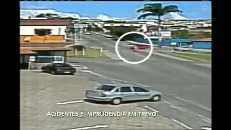 Trevo sem sinalização tem acidentes e imprudência no sul de MG ...