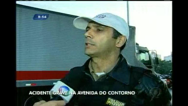 Acidente em viaduto do Barro Preto deixa homem ferido