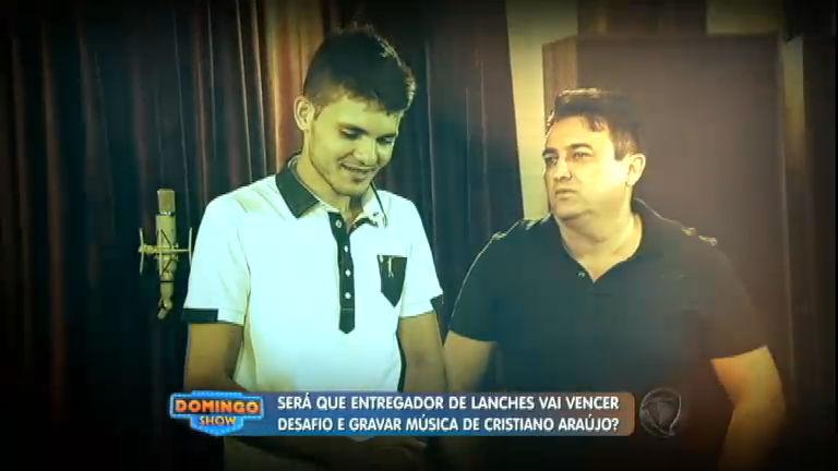 Entregador de lanches tem a voz idêntica a do cantor Cristiano Araújo