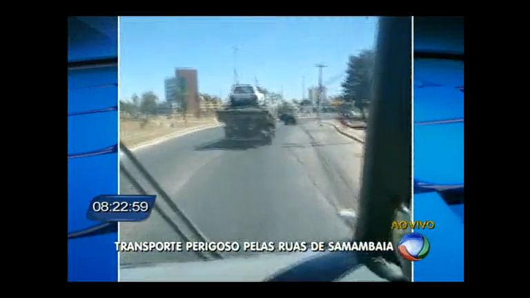 Imagens flagram caminhão transportando carro sem proteção em ...