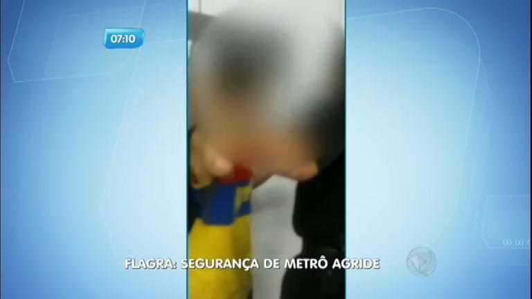 Seguranças agridem passageiro no Metrô do Rio de Janeiro