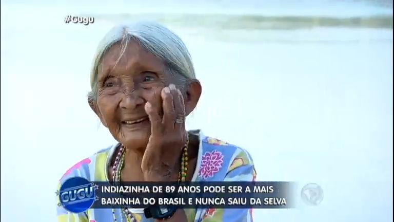 Repórter do Gugu conhece a menor índia do Brasil na selva ...