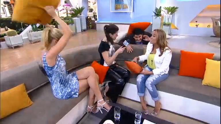 """Intervalo: Ana e Renata confirmam que """"o Google é mulher"""""""