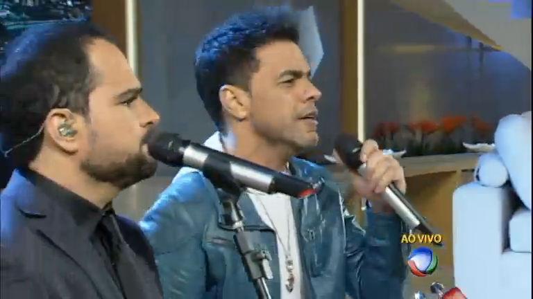 Zezé di Camargo e Luciano cantam ao vivo no programa Xuxa ...