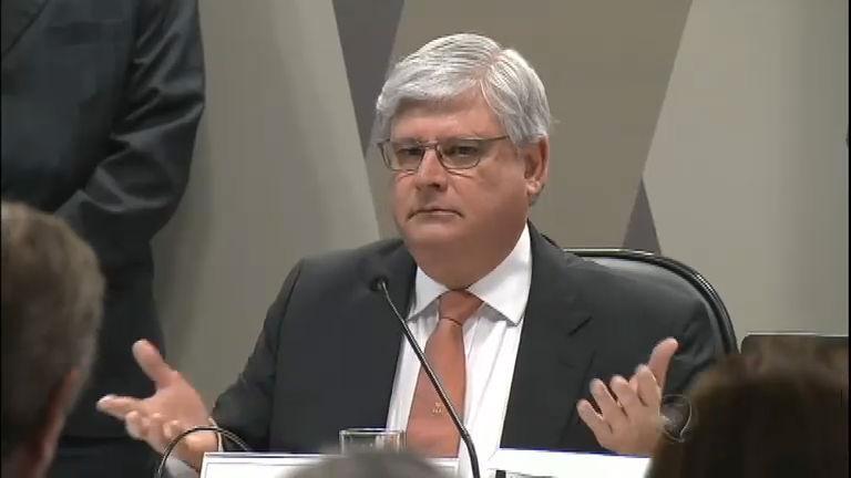 Rodrigo Janot é sabatinado por mais de 10 horas na Comissão de Constituição e Justiça