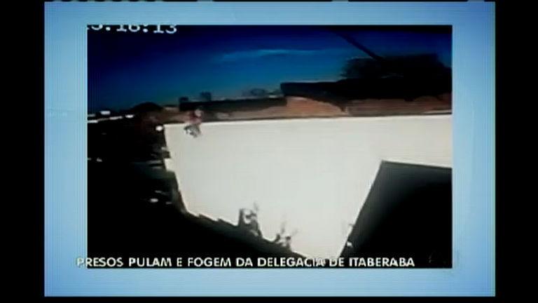 Presos pulam e fogem de delegacia em Itaberaba