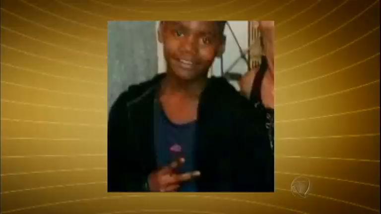 Menino de 13 anos é morto em tiroteio no Rio e família acusa polícia