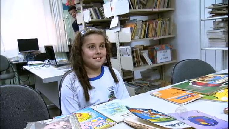 Faro faz surpresa para menina de 10 anos que já leu mais de 500 ...